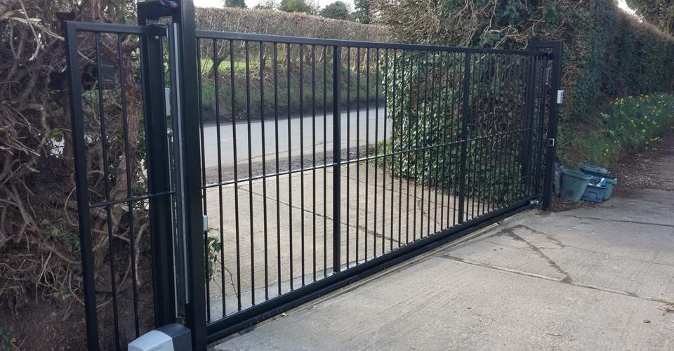 Sliding cantilever security gates autogate services