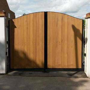 Hinxworth Gate