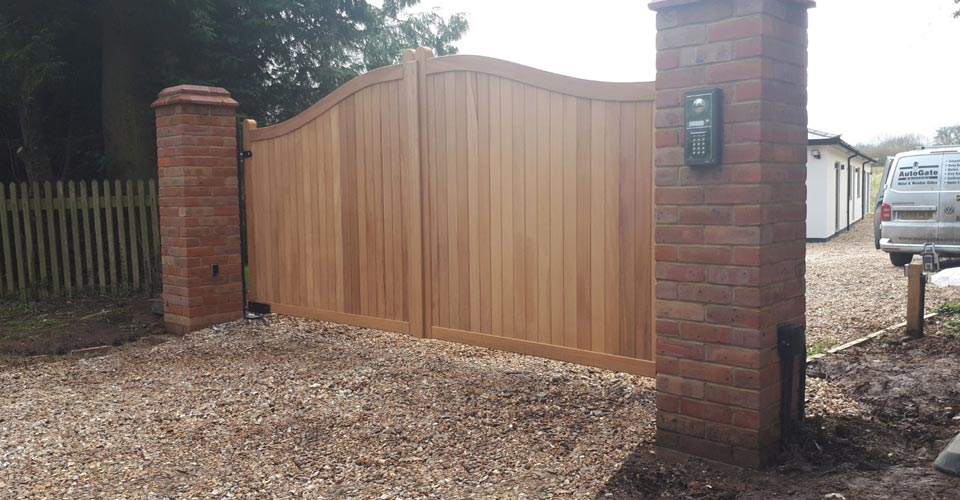 Kelshall wooden gate
